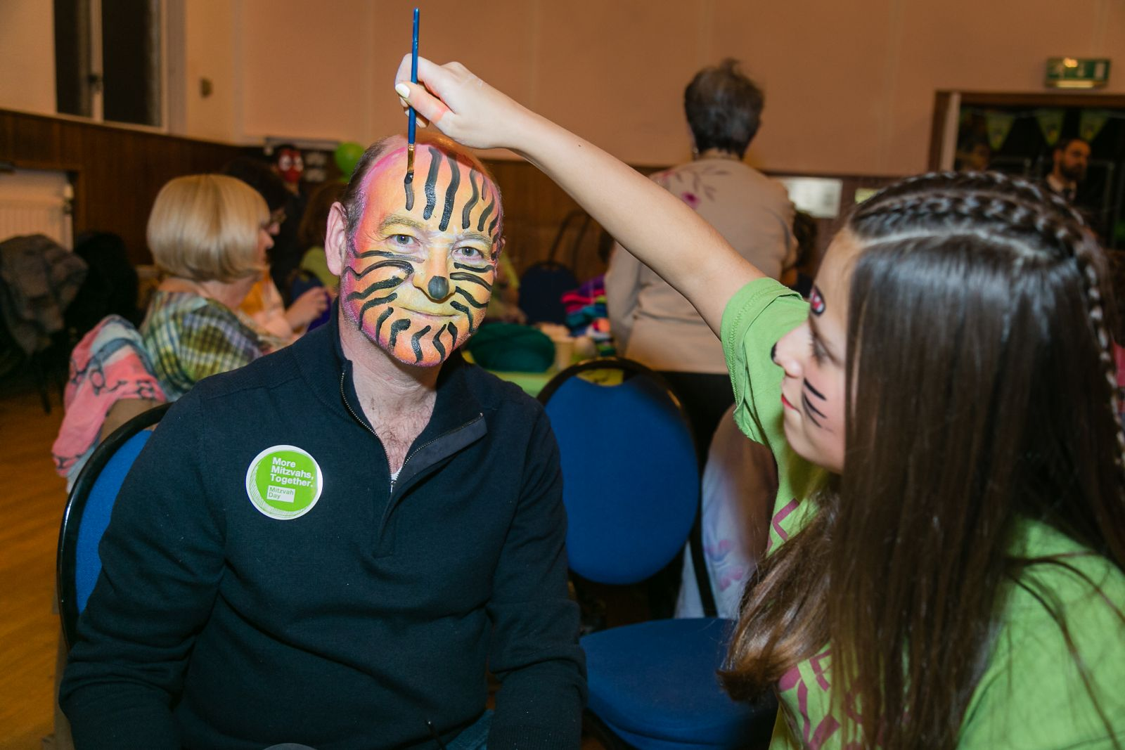 Face painting at Stanmore and Canons Park Synagogue - picture by Yakir Zur