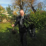 Mike Offord MP helps Kisharon volunteers move their much loved garden