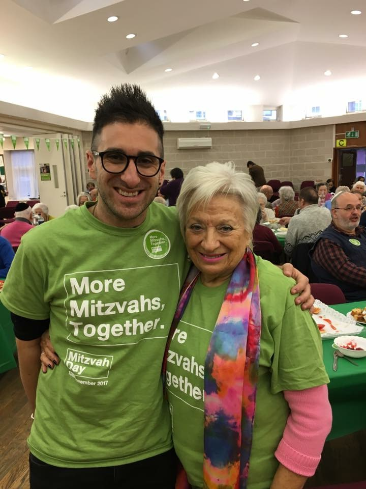 Mitzvah Day Executive Director Dan Rickman and grandma Barbara on their intergenerational tour of Mitzvah Day projects