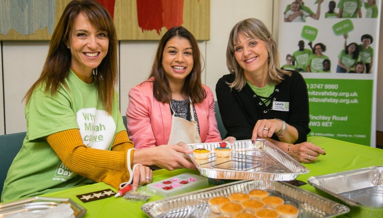 MPs decorate cupcakes to launch Mitzvah Day