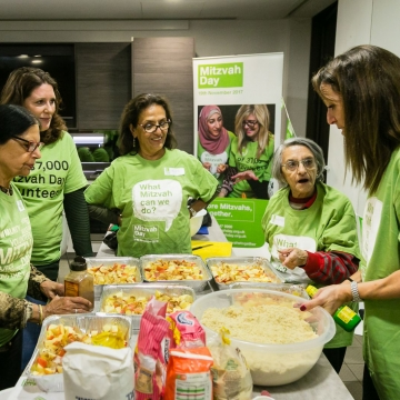 A taste of Mitzvah Day at interfaith cooking event